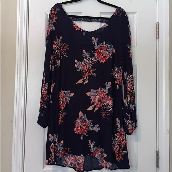 Xhilaration Dresses & Skirts - Beautiful Floral Dress 🌺